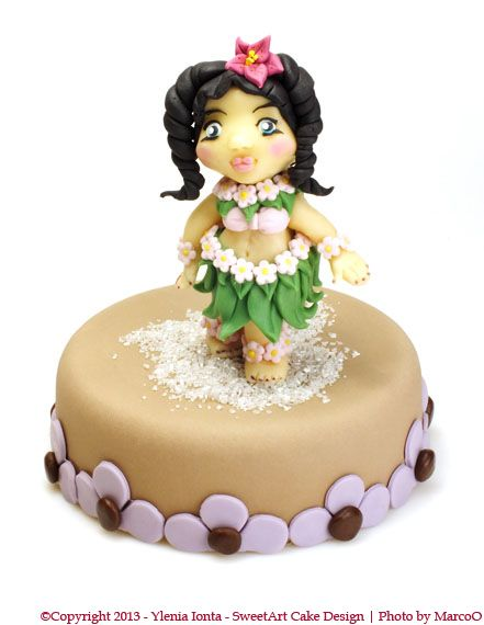 Girls hawaiian girls and how to make on pinterest for Decorazioni torte on line