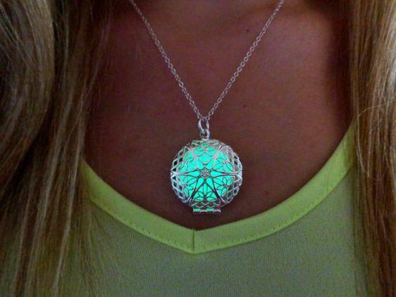 Green Glow in the Dark Round Star Necklace Glow by timelessmaiden