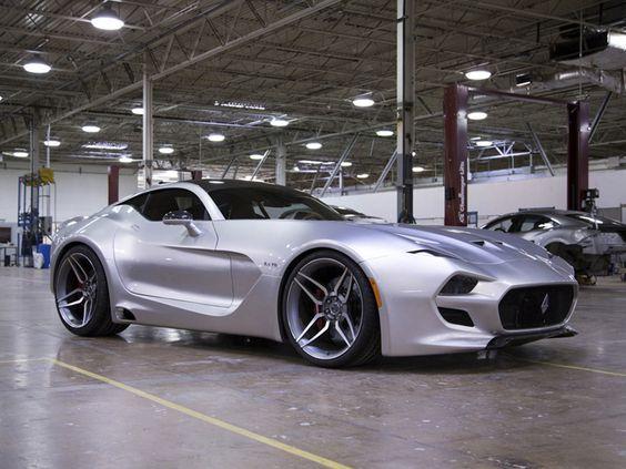 El danés Henrik Fisker, reconocido diseñador de automóviles, presentó hace unas semanas el nuevo VLF Automotive Force 1 V10.
