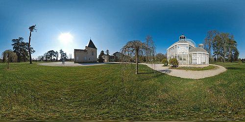 La Mairie et la serre de Gradignan  -  France © Pascal Moulin