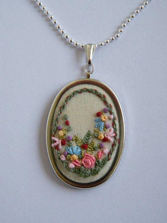 36mm Mini Embroidery Hoop Brooch Kit