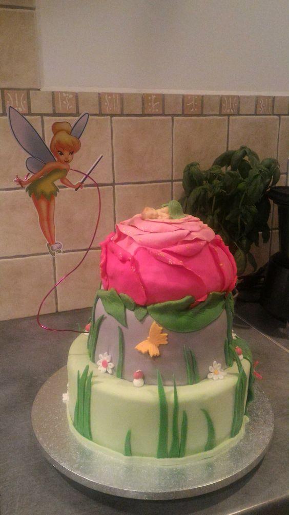 Gâteau de baptême thème fée clochette. Génoise chocolat et nature  + crème au beurre légère à la vanille