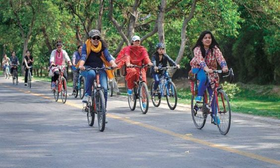 Girls on bikes reclaiming the city - Pakistan - DAWN.COM