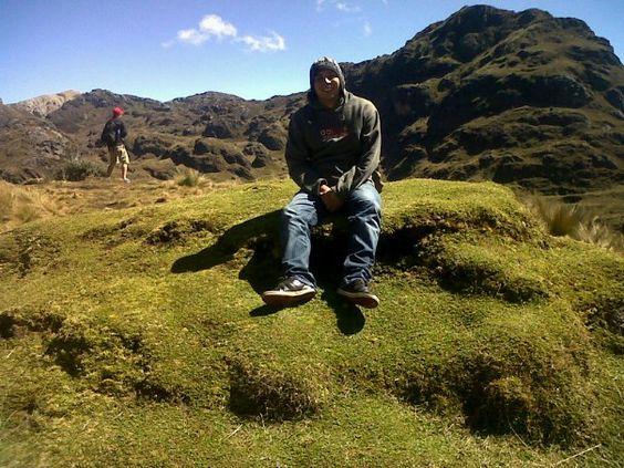Parque Nacional El Cajas...Practicamos el senderismo con un guía especializado y admiramos la flora y fauna del parque.