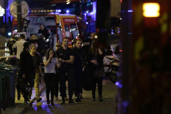 Une centaine de morts au Bataclan #Paris #Bataclan #attentat #fusillade #priseotages