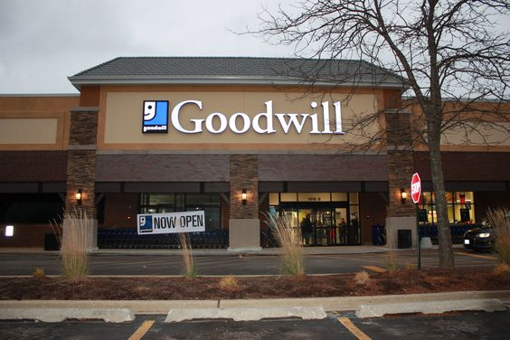 Goodwill Store Donation Center In Evanston Il Store Hours M
