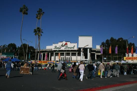 Rose Bowl Flea Market in Pasadena, CA. Get there early, wear comfortable shoes, wear a sun hat, bring a market cart and brings LOTS of cash
