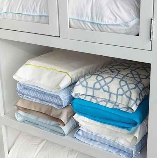 Cansado de sempre ficar procurando as combinações para o conjunto de lençóis? | 53 dicas para organizar o guarda-roupas que vão mudar a sua vida para sempre