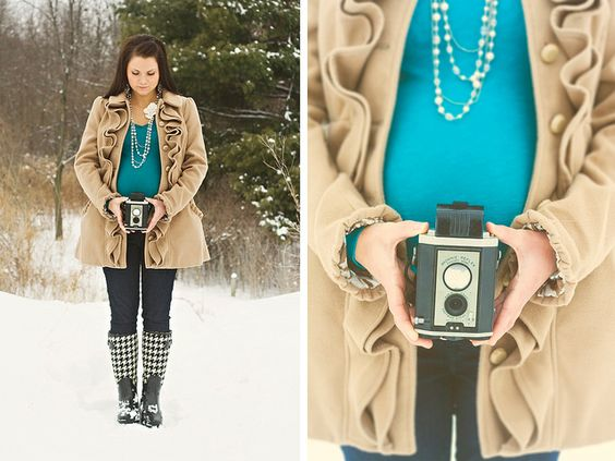 Maternity Portrait Outfit // The coat is great, love the teal color and necklace.
