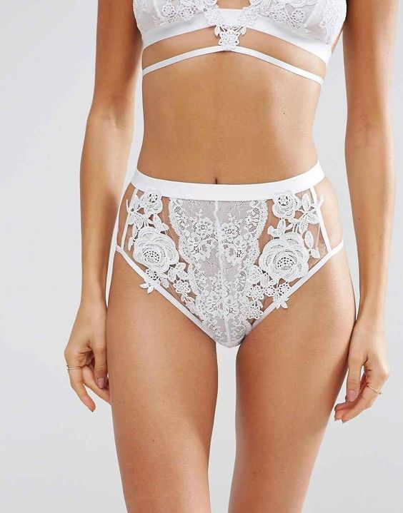 Delicate lace panties, and other high waist briefs to fall in love with.