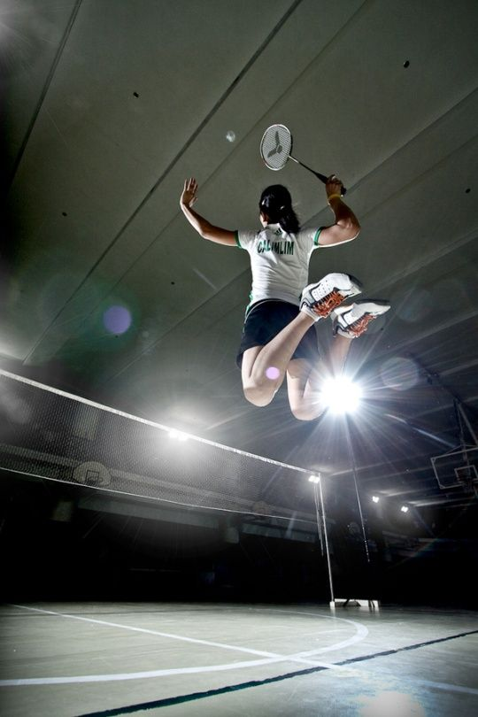 @Haylee Atkinson Atkinson Biel you should do this!!! Except with a volleyball of course