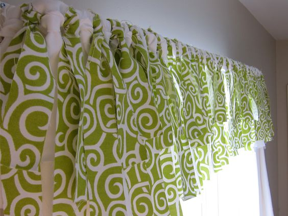 Cool Way to make a Curtain--would probably use an anti-fray glue, or cut a bit wider and make a small hem. (iron on tape to hem?)