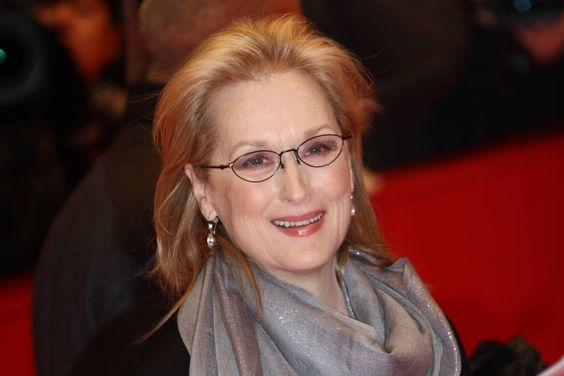 Meryl Streep to sing Golden Shower of Hits by The Circle Jerks at Trump Inauguration -- Meryl Streep has offered an olive branch to US President-elect Donald Trump following their Twitter spat earlier this week.  -- #Streep, #TheCircleJerks -- https://goo.gl/q6Cvxx