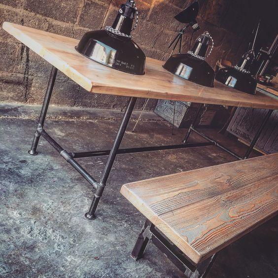 #guerillagarage #guerilla #guerillainterior #furniture #hashtag #cologne #vintage #vintageköln #woodwoodwoodwood #wohnzimmer #stuhl #chair #eames #tolix #industrialdesign #interior #tisch #table #emaille #lampe #light #kunden #guerillakunden #eames #werbung #reklame #alt #buchstabe #patina #rockingchair #rock