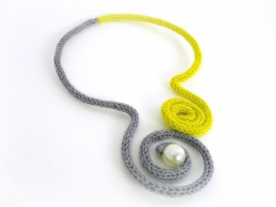 Nuova Collezione. Girocollo Gioiello in lana di JewelnotJewel, €30,00