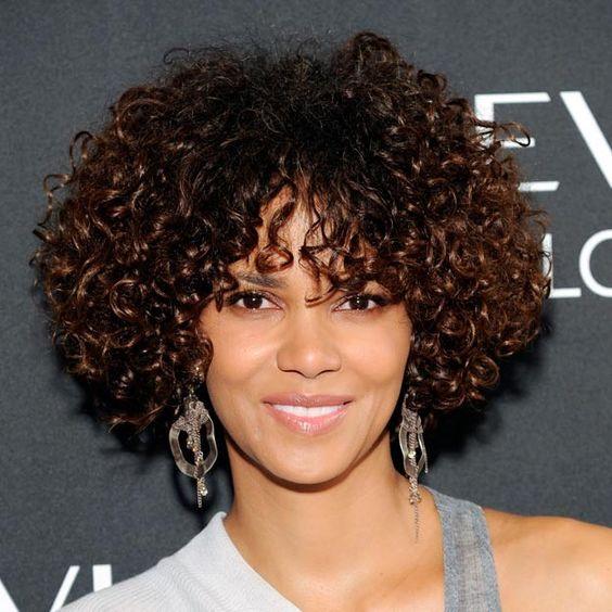 cortes de cabello rizado para mujeres ,