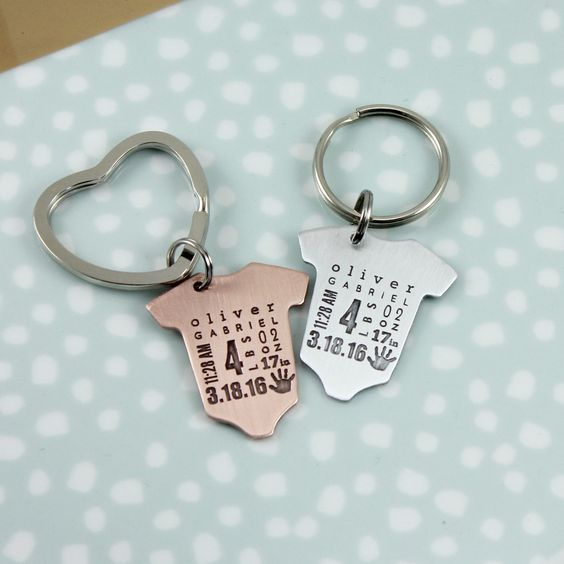 baby statistics keyring, baby gift for mom, dad, gift for grandpa, gift for new grandad, gift for new papa, guys baby gift, baby stats keychain, tagyoureitjewelry