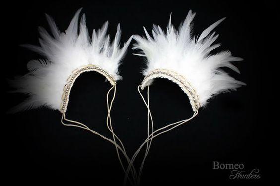 Blanc de vraies plumes Armband brassard tissé par BorneoHunters