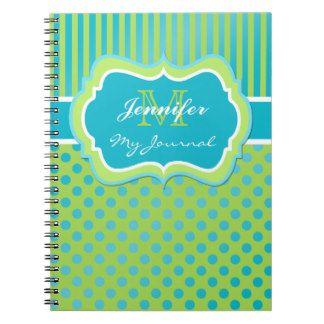 Cuaderno rayado del diario del lunar azul y verde
