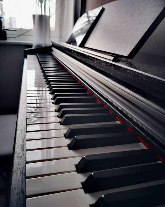 ⚪⚫ 👌🎶✨ ~~~ #piano #music #instamusic #keyboard #pianoart #art
