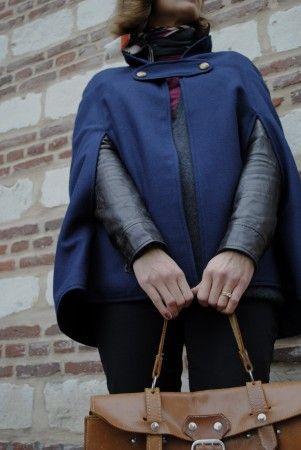 cape en drap de laine bleu indigo avec un patron en taille réelle gratuit .