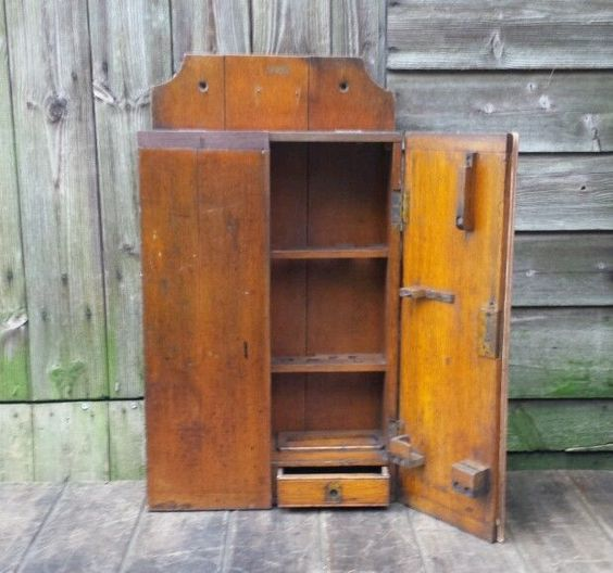 Beautiful Early Vintage Solid Oak Wall Mounted 2 Drawer Tool Cabinet/Cupboard