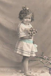 a whole bunch of free vintage photos.