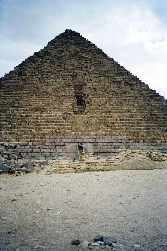 Pirámide de Micerinos, Cairo, Egipto