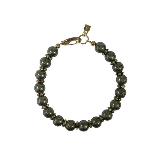 Strong, bold, sexy are just a few words that come to mind when first seeing this necklace. Show them who's the queen with this pyrite collar that so perfectly translate dominance and power. pyrite, go