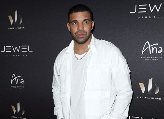 Drake and Future Tour Bus Targeted by Thieves $3M Jewelry Stolen