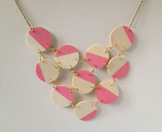 Wooden necklace tutorial at Fabric Paper Glue