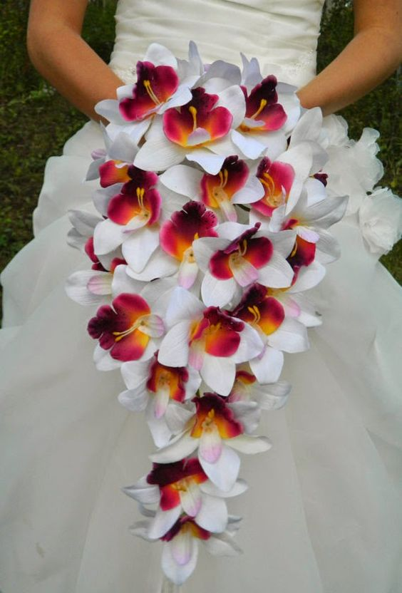 Orchid wedding flowers http://weddingflowersideas.blogspot.com/2014/05/orchid-wedding-flowers.html: