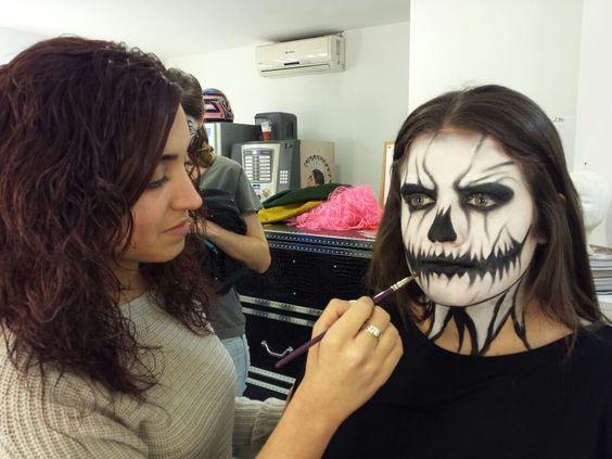 En el Máster de #Maquillaje... día de maquillaje libre! — en Colors-Up Escuela de Maquillaje Profesional