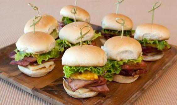 Mini sandwichs au jambon à l'hawaïenne