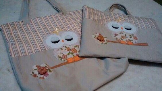 Kit bolsa mais case pra notebook. bolsa forrada com ziper e bolso interno também com ziper. Case forrado com ziper, com manta e quilt.