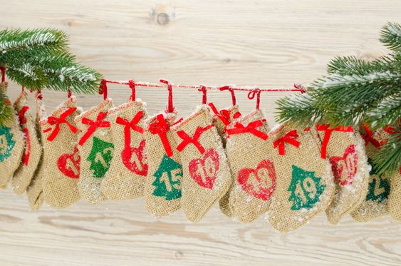 Adventskalenders om zelf te maken, om vol te stoppen met kleine geschenken of om leuke dingen samen te doen