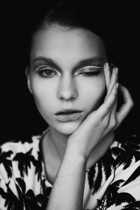 | ClioMakeUp Blog / Tutto su Trucco, Bellezza e Makeup ;) » Torna l'optical per un'estate in bianco e nero: 4+1 look da riprodurre!