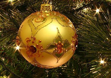 Very pretty ornament...similar to the one my grandson broke last week. :(