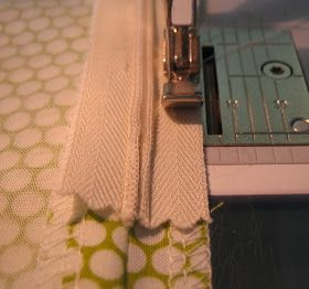 Sew Serendipity: Don't Fear the (invisible) Zipper