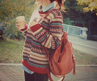 that sweater. that bag. that drink. that messy hair.