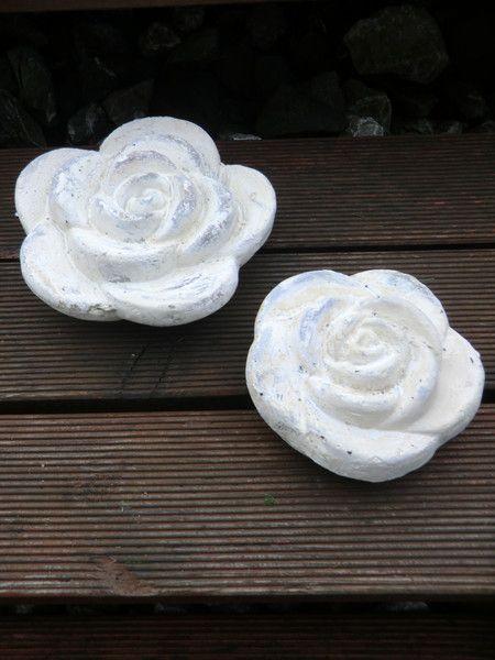 Zwei Beton Rosen, Blumen die Beton Deko... von Little Things auf DaWanda.com