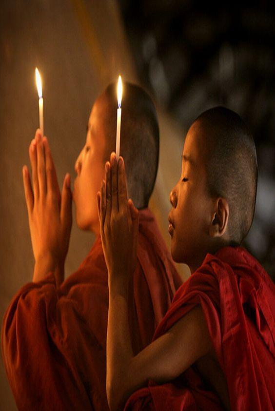 7 frases budistas que vão mudar a sua vida Muitos de nós costumamos nos referir ao budismo mais como uma filosofia de vida do que como uma religião. O budismo é uma das religiões mais antigas que existem, e ainda é praticada por cerca de 200 milhões de pessoas em todo o mundo. Qual é o segredo desta filosofia? A simplicidade de como são transmitidas mensagens cheias de sabedoria, que permitem realmente melhorar nossa qualidade de vida, é o que faz com que essa filosofia ou religião perdure…
