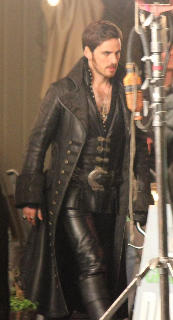 Colin O'Donoghue - Captain Hook - Killian Jones - Once Upon A Time