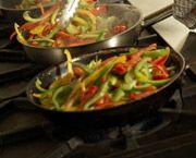 Seguir una dieta vegetariana puede traer muchos beneficios, pero se debe tener en cuenta la combinación de ciertos alimentos, como arroz y lentejas, o maíz y frijoles para obtener las proteínas suficientes.