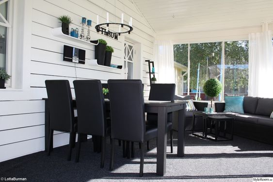Uterum,altan,inglasning,svart bord,trävägg,svart/vitt,ljukrona ...