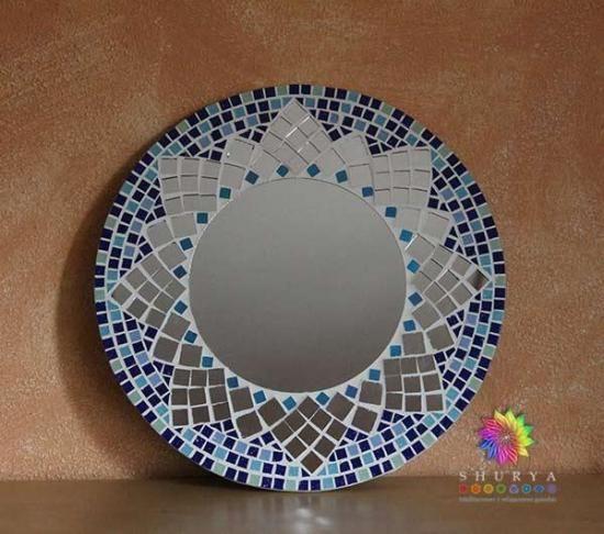Espejo en mosaico azul teselas espejo mosaiquismo for Ideas para decorar espejos redondos