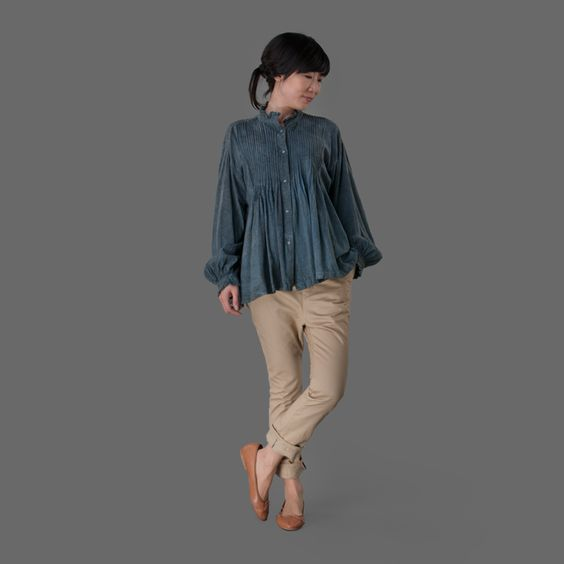 Toujours Noil Yarn Cloth Pin Track Frill Shirt in Natural Dye Indigo Grey Angle1