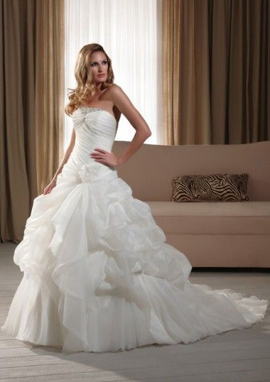 Ball Gown Strapless Organza Bubble Skirt Chapel Trailing Wedding Dresses