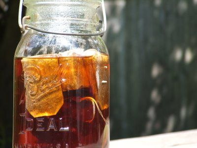 Adding baking soda to iced tea for clear non bitter tea...have to try that!