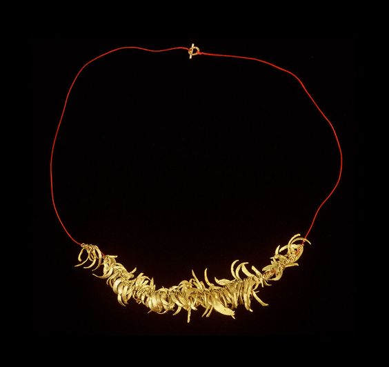 Nanna Melland Necklace: Decadence, 2000 - 2003 Goldcast finger and toenails, linen 50 cm Photo by: Nanna Melland: